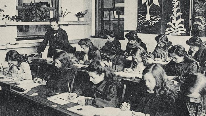 An historic image of a 1920s classroom